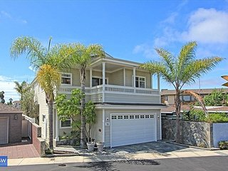 Live On the Water in Balboa Coves-Single Family Home- Relax in Paradise, Newport Beach