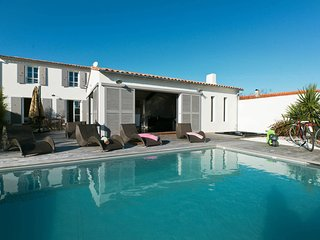 Villa with pool and jacuzzi in La Flotte-en-Re