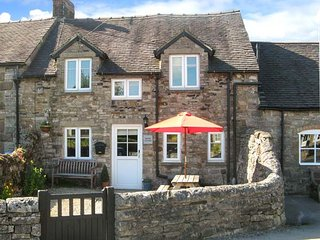 HAVEN COTTAGE, electric fire, WiFi, patio with furniture, great base for walking