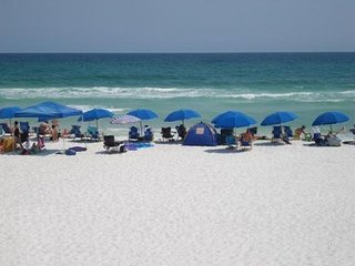 Best value for 1 or 2 bedroom Destin Beach condo, 20% off week of July 29