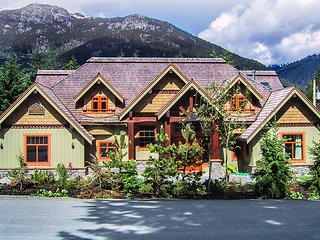 Whistler Alpine Chalet, Sleeps 10