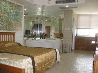 studio R in PatongCondotel 6floor  room 47/168