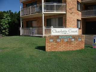 Air Conditioned Ground Floor Unit - 1/20 Charlotte St, Bribie Island