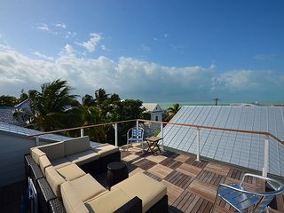 Casa Hueso - New Monthly Rental With Spectaular Views and World Class Comfort, Key West