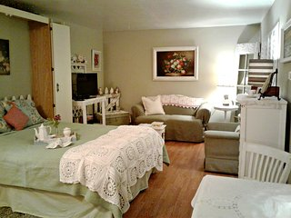 Cottage Tea Room-Adorable Studio w Private Bath-Steps from the Sand - Ps. 23