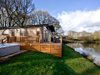 Waters Edge, Lakeview Manor located in Honiton, Devon