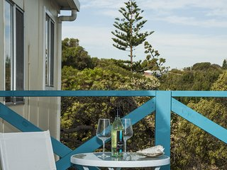 The Coast House - Beach house style accommodation