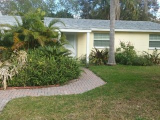 3/2 Pool Home for Sun N Fun, Lakeland