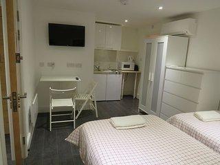 Studio Flat near Hyde Park, Bayswater, Leinster B5