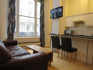 1 Bedroom Flat near Hyde Park, Queensborough Terrace.London, F2/47