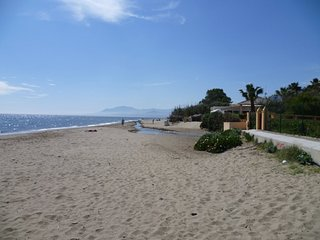 Nice apartment - 80 meters from the beach, Elviria