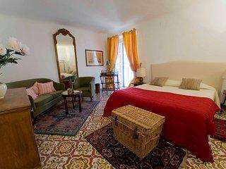 Palazzo Lungarini Bed & Breakfast. Room 1