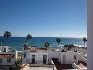 Big house 50 m from the beach sleeps 16, Puerto de la Duquesa