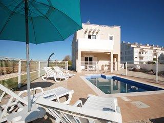 Casa das Arvores - Moradia com piscina privada e estacionamento privado