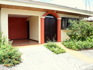 Arenal Downtown Home - Friends & Families Gateway