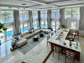 Half Waterfront Estate - Main intracoastal - watch the boats all day in luxury