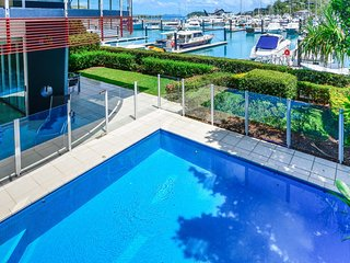 Pavillions 6 Luxury 4 Brm Ocean View Ground Floor With Fenced Swimming Pool, Isla de Hamilton