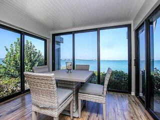 Waterfront ground level suite - Amazing water views!  Boat docking, tennis, two pools...