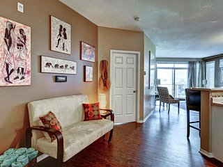 Lakefront 2 Bed 2 Bath Condo Downtown Kelowna