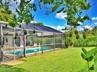 Cozy 4 bedrooms 2 bathrooms Home with Pool in Boca Raton Florida