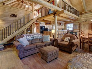 Natural log cabin w/guest house & game room, perfect for family vacations!