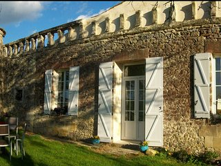 4-star Self Catering Gîte in the Gironde, Lamothe-Landerron