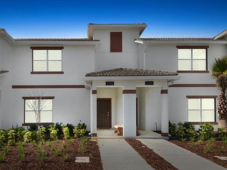 Championsgate Resort - 4BD/3BA Town House - Sleeps 8 - Gold, Sterling
