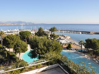 French Riviera Marina Baie des Anges  flat sleeps 6 stunning view direct beach