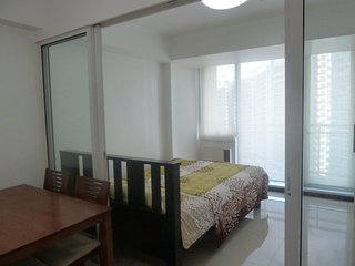 Condo 4 Rent, Bicutan, Paranaque, Philippines  near Airport, Azure Resort