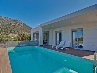 Asterios Sea View Villa - Close to the beach - Stylish Design