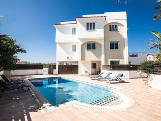 Orestiada 102, 2 bedroom apartment in Pernera