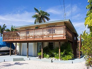 Catch fish, snorkel, dive and more just one lot in from the open Gulf, Marathon