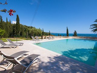 Holiday House with Shared Pool In Kalami Corfu