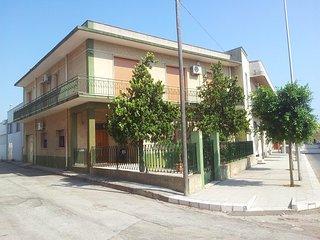 Maruggio (Campomarino) grande appartamento a 1 km dal mare piu bello d'italia