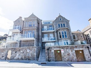 Porthminster View Chy an Porth, St Ives - Sea views balcony spa pool & parking