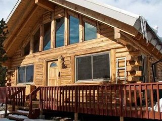 *FAMILY/PET FRIENDLY- LOG CABIN/HOME. FLEX Pricing., Crestone