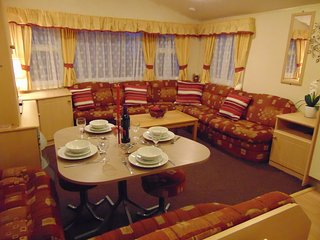 Somerset Solstice: 8-berth 3-bed Static Caravan Burnham-on-Sea Holiday Village, Burnham-On-Sea