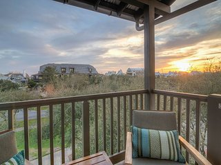 Gen's Loft - Brand New Redesigned Rosemary Beach Loft!!