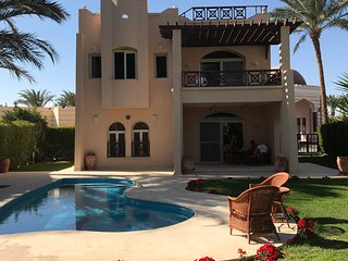 Luxury Villa with Private Swimming Pool on Beach Resort, Sleeps 8