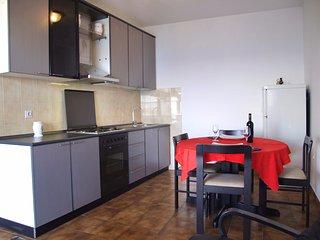 Seafront apartment Arkada, Tkon