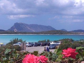 Benvenuto Ottobrino is a three flats villa located in front of Lu Impostu beach, San Teodoro