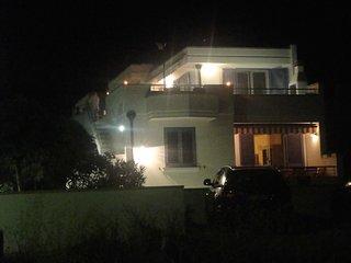 Leuca, grazioso monolocale fronte mare con terrazza