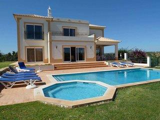 Vakantiehuis tot 8 personen, met zwembad