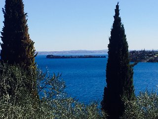 Wonderful Villa with mini pool, stunning view, garden, AC, WIFI, garage in Salò, Gardone Riviera
