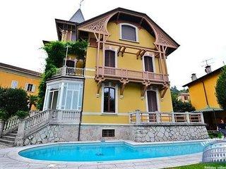Villa in Lake Maggiore : Laveno Area Villa Soprana, Porto Valtravaglia