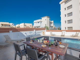 Rhea, 3 Bedroom Fantastic Fig Tree Bay Villa, Protaras