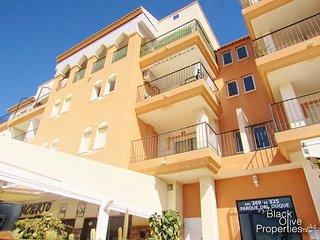 Immaculate 2 bed apartment in the heart of Playa Flamenca, excellent getaway