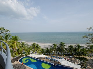 LUXURY STYLE OCEAN FRONT Condo with HUGE Balcony! 1 Bedroom located on the Beach, Playa Coronado