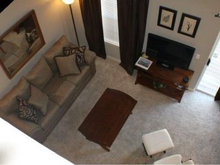 BRANSON--Beautiful 2 Bed, 2 Bath Condo by Lake Taneycomo & Table Rock Lake!