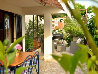 Garden Apartment, Dramalj